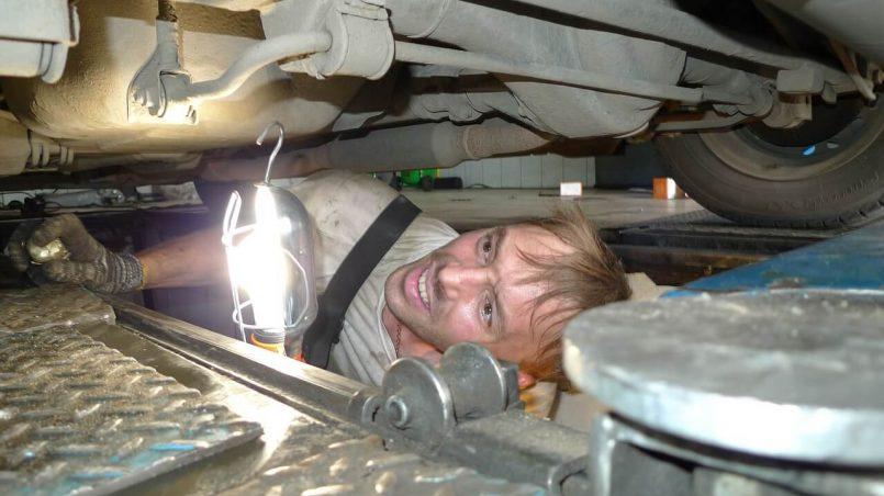 auto-mehanicar-servis